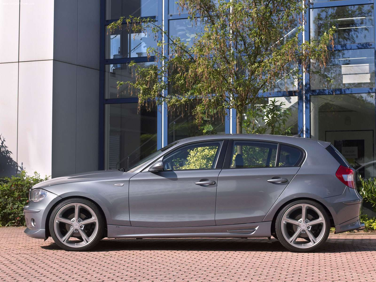 BMW 1 Series 3 Door Hatchback 2009