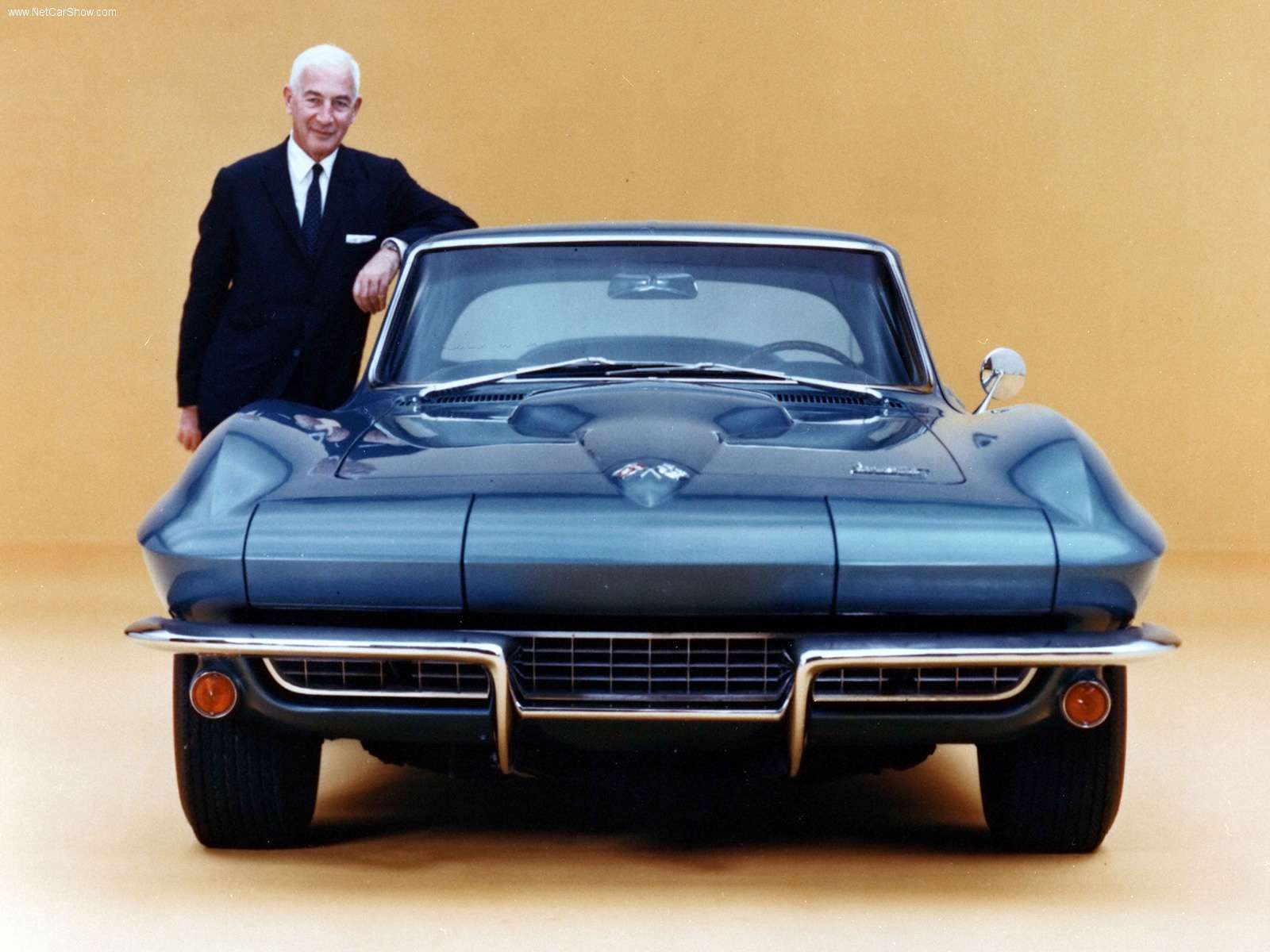 Chevrolet Corvette Coupe 1964