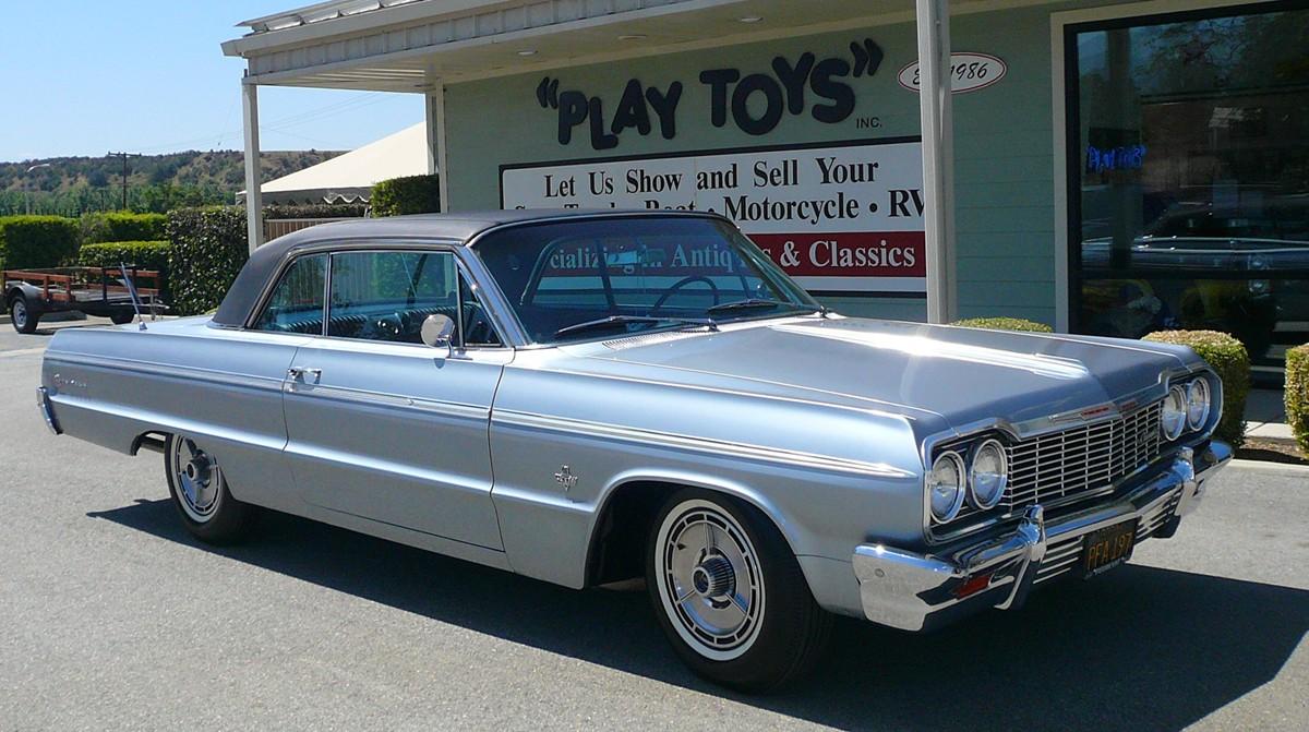 Amazoncom 1965 Chevy Impala SS 396 124  Baby Blue