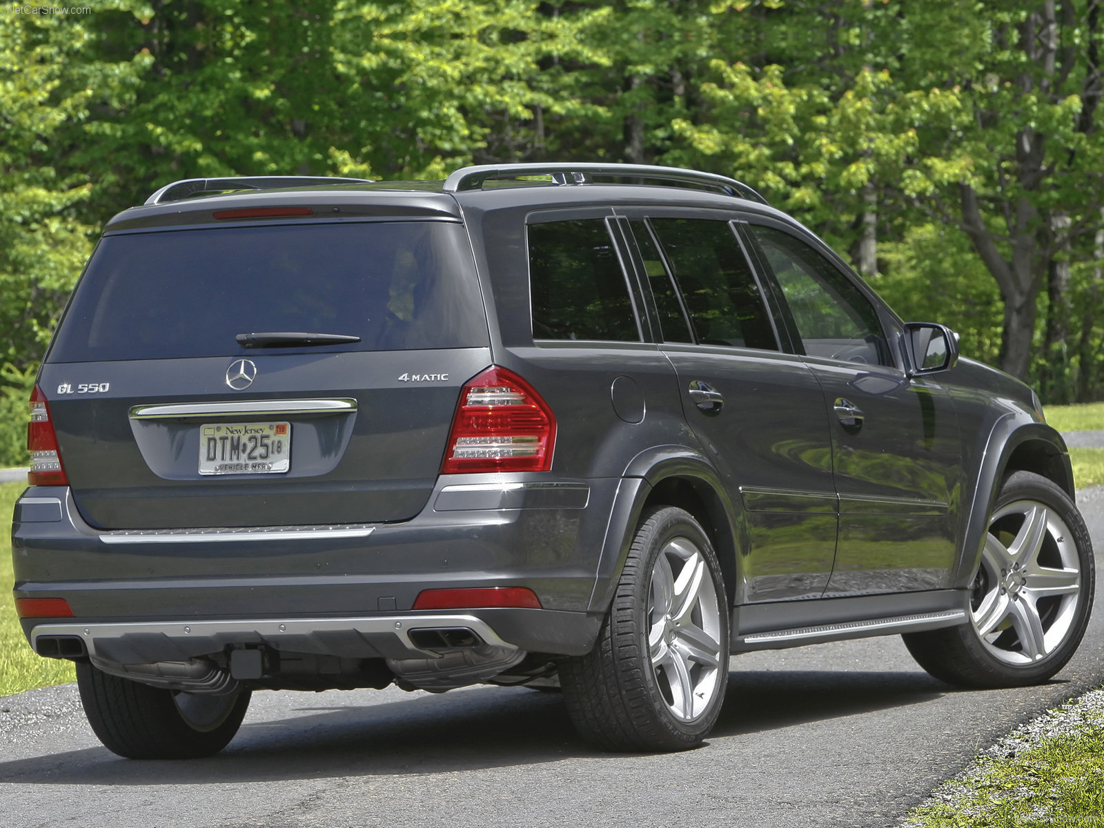 Image gallery mercedes gl 430 for Mercedes benz suv 2010 price