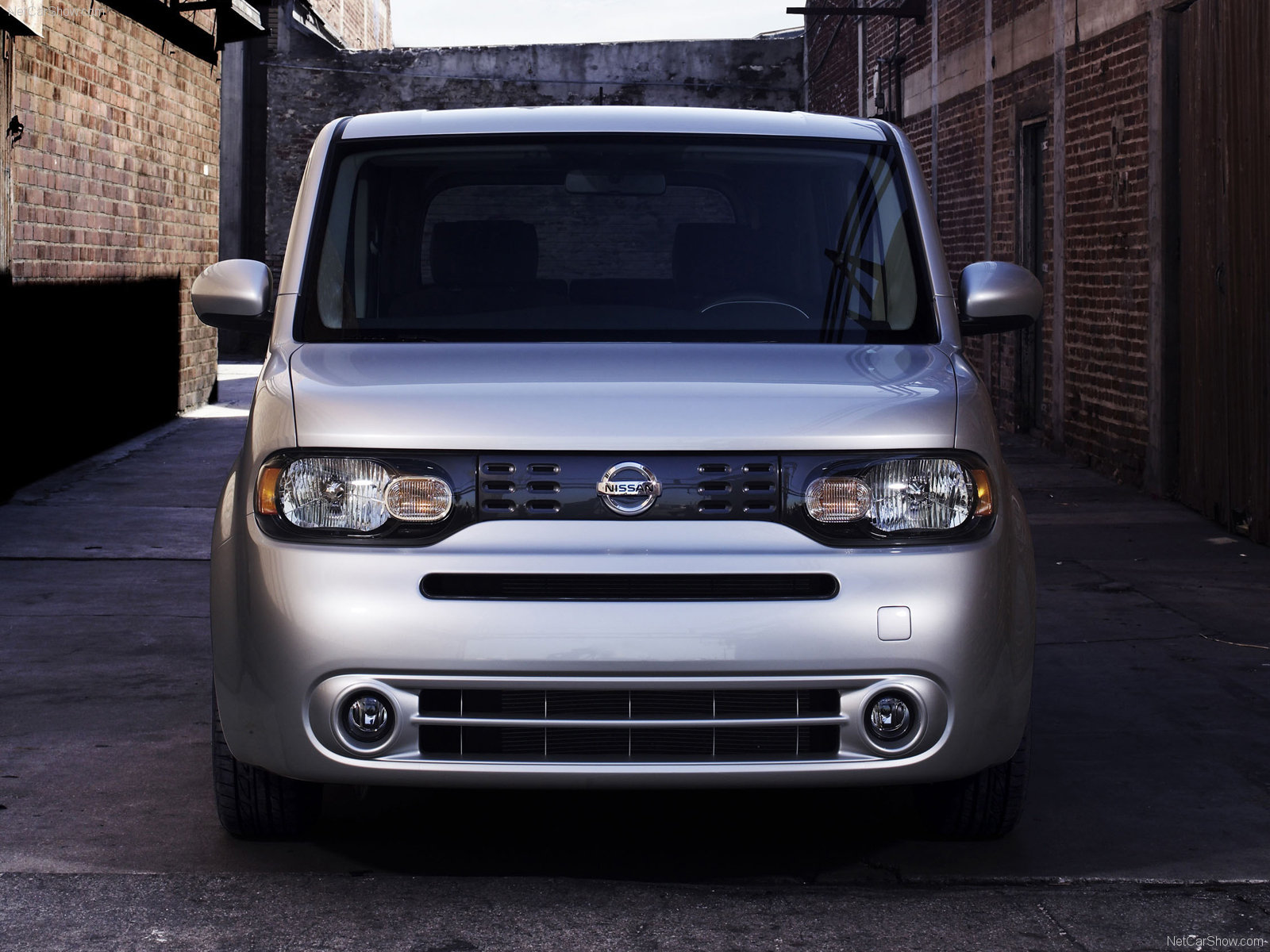 nissan cube van 2010. Black Bedroom Furniture Sets. Home Design Ideas